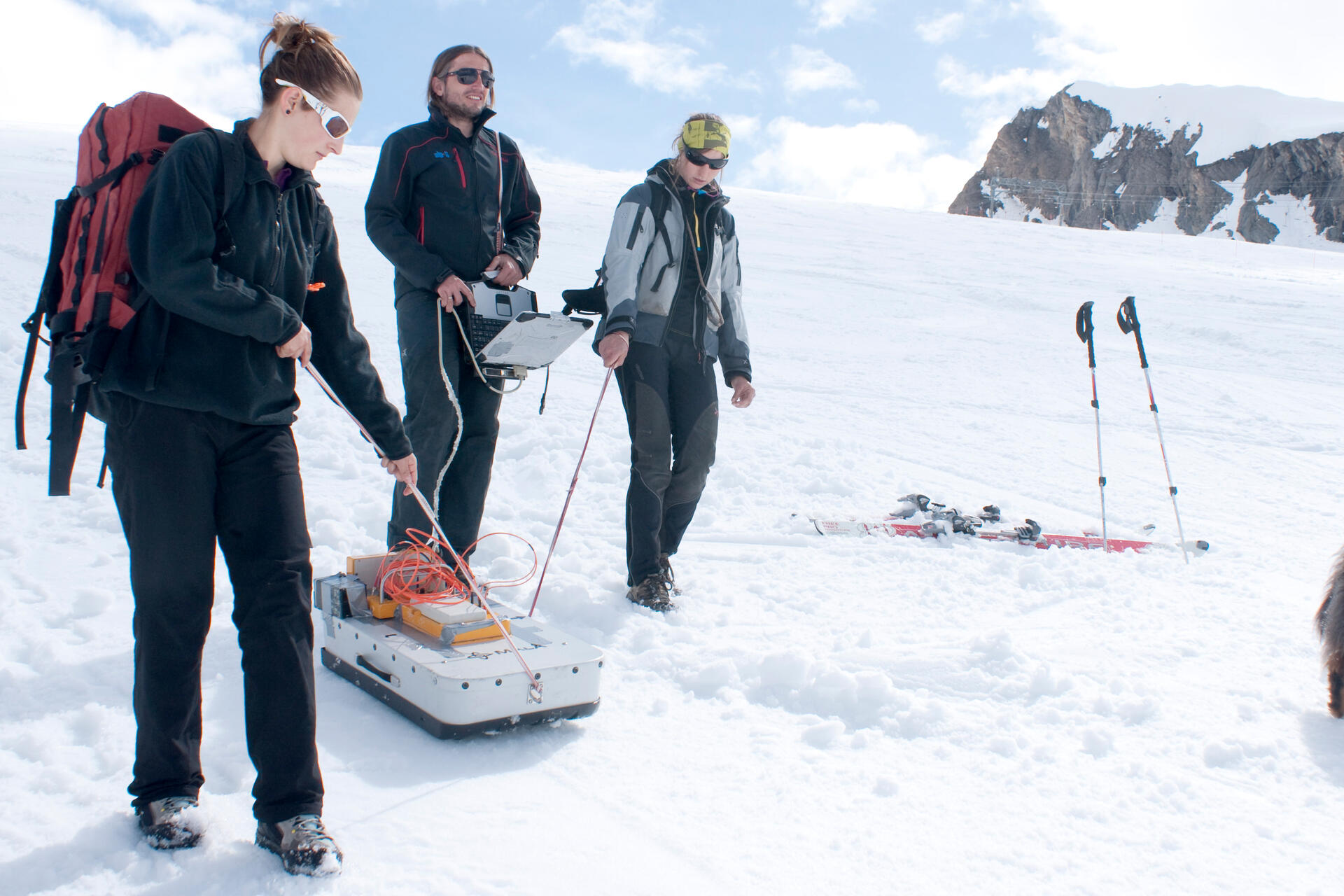 Since 2010, the summit area of the 3203 m high Kitzsteinhorn has been the location of an interdisciplinary open-air lab dedicated to monitoring permafrost as well as landslide activity | © Kitzsteinhorn