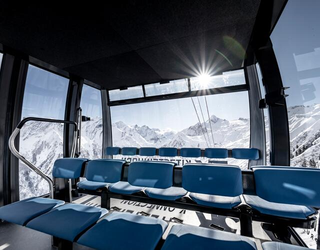 The 32 ATRIA panorama cabins by CWA offer passengers an extraordinary ride. | © Kitzsteinhorn