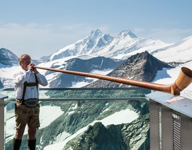 Mountain festival with alpenhorn blowers, Pinzgau specialties, children's program and much more | © Kitzsteinhorn