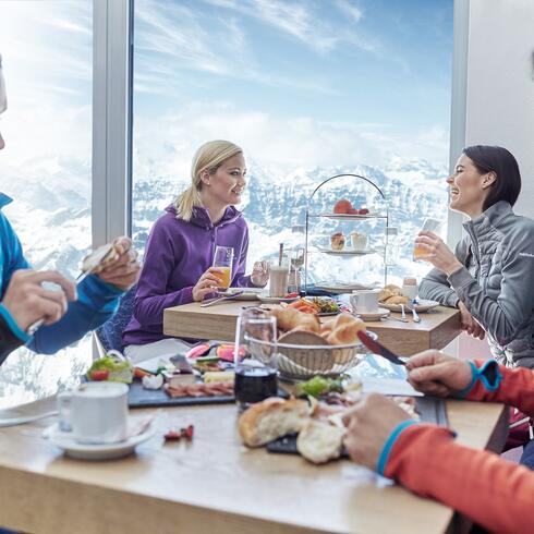 Glacier breakfast: the Kitzsteinhorn restaurants make it possible for you to start your day full of energy with home-made specialities | © Kitzsteinhorn