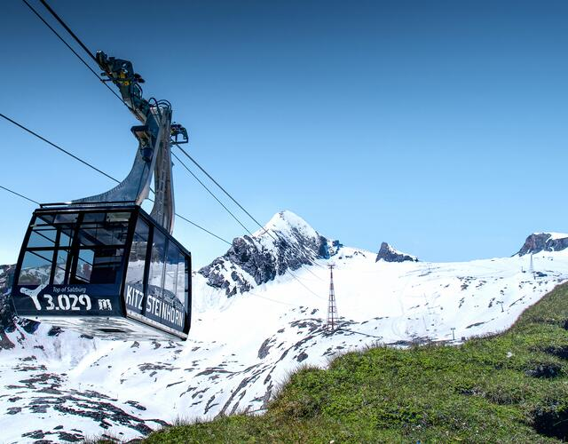 Top-modern lift facilities guarantee a fast and comfortable ascent to 3,000 metres above sea level | © Kitzsteinhorn